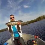 интересная рыбалка с лодки
