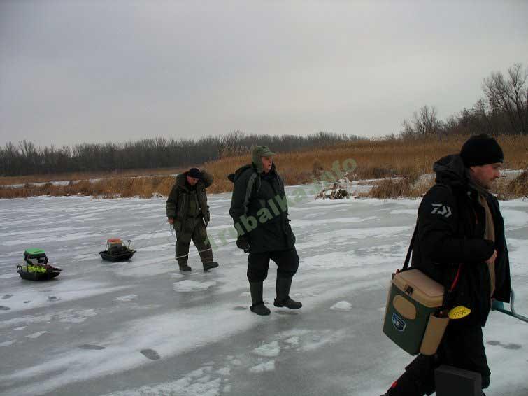 Где искать щуку зимой на реке